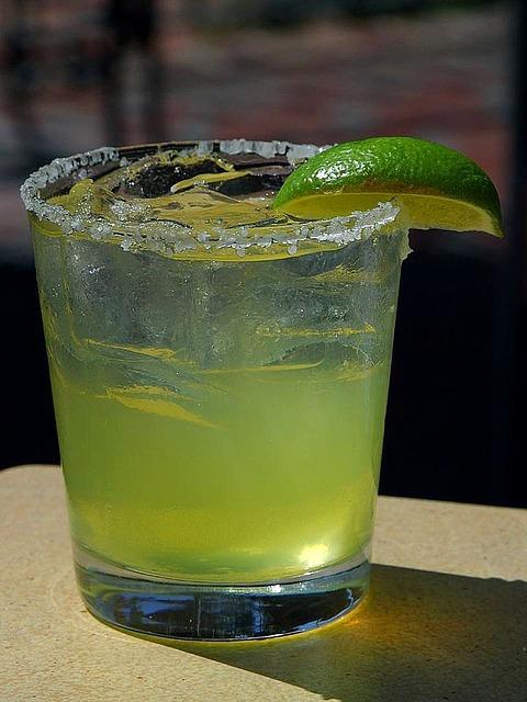 cocktails-386776_640